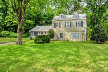 Single Family Home Sold in Stamford CT 06905. Colonial house near beach side waterfront.