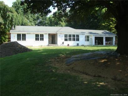 Single Family Home Sold in Trumbull CT 06611. Contemporary, ranch house near waterfront with 2 car garage.