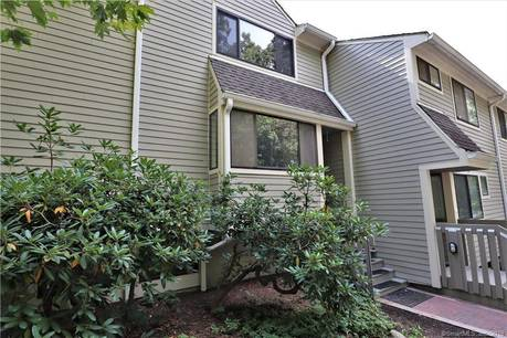 Condo Home Sold in Norwalk CT 06851.  townhouse near waterfront with swimming pool.