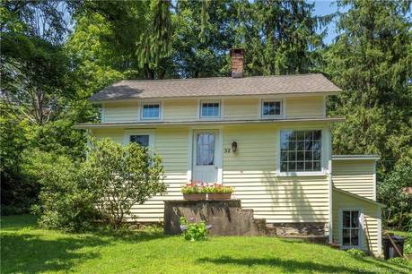 Single Family Home Sold in Weston CT 06883. Old colonial cottage house near waterfront.