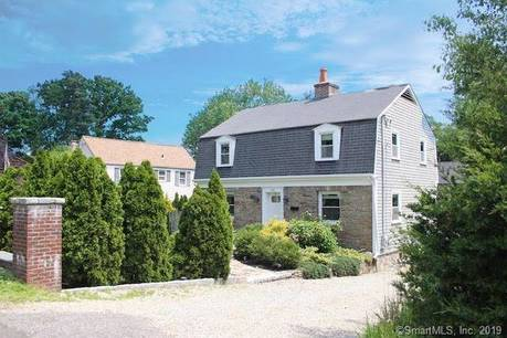 Single Family Home Sold in Stamford CT 06902. Colonial house near waterfront.