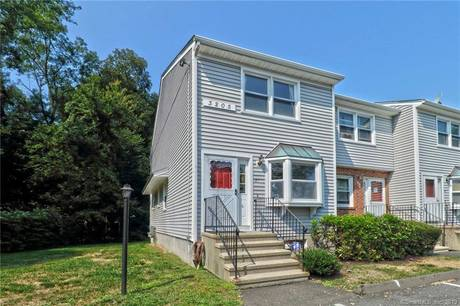 Condo Home Sold in Bridgeport CT 06606.  townhouse near waterfront.