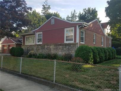 Single Family Home Sold in Bridgeport CT 06604. Ranch house near waterfront with 2 car garage.