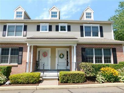 Condo Home Sold in Trumbull CT 06611.  townhouse near waterfront with 1 car garage.