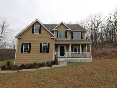 Foreclosure: Single Family Home Sold in Newtown CT 06470. Colonial house near waterfront with 3 car garage.