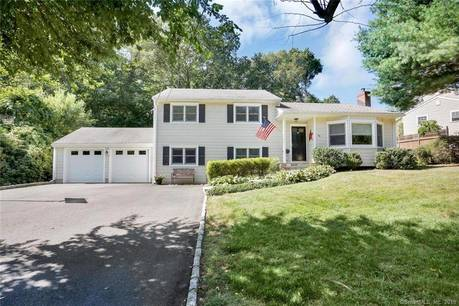 Single Family Home Sold in Stamford CT 06905.  house near beach side waterfront with 2 car garage.