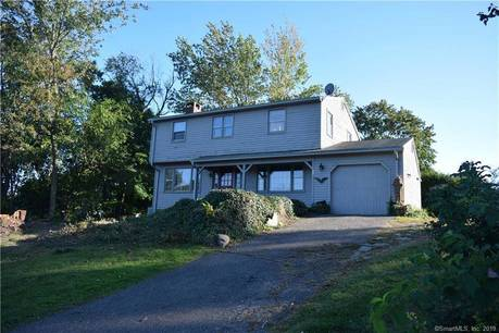 Single Family Home Sold in Shelton CT 06484. Colonial house near waterfront with 1 car garage.