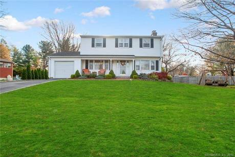 Single Family Home Sold in Shelton CT 06484. Colonial house near waterfront with swimming pool and 1 car garage.