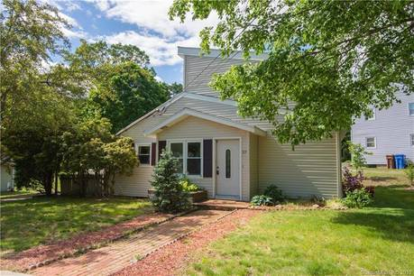Single Family Home Sold in Shelton CT 06484. Contemporary house near river side waterfront.