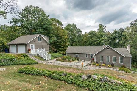 Single Family Home Sold in New Fairfield CT 06812. Old ranch, antique house near waterfront with 2 car garage.