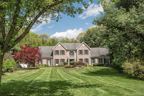 Single Family Home Sold in Fairfield CT 06890. Colonial house near beach side waterfront with 3 car garage.