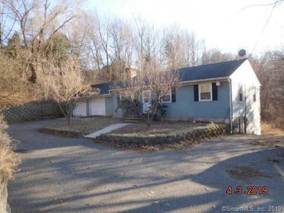Foreclosure: Single Family Home Sold in Newtown CT 06470. Ranch house near waterfront with 2 car garage.