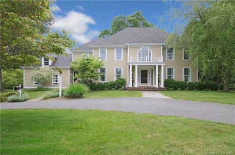 Single Family Home Sold in Fairfield CT 06824. Colonial house near waterfront with 3 car garage.