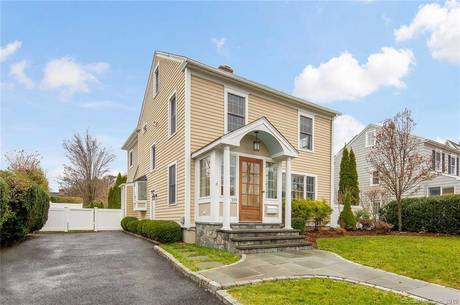 Single Family Home For Sale in Fairfield CT 06824. Old colonial house near beach side waterfront.