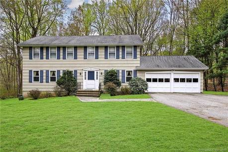Single Family Home Sold in Trumbull CT 06611. Colonial house near waterfront with 2 car garage.