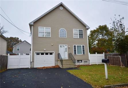 Single Family Home Sold in Bridgeport CT 06606. Colonial house near beach side waterfront with swimming pool and 1 car garage.