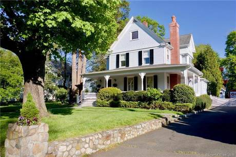 Single Family Home Sold in New Canaan CT 06840. Old colonial house near waterfront with 2 car garage.