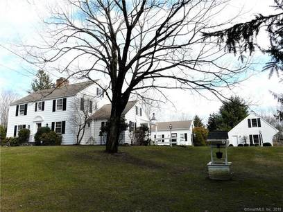 Single Family Home Sold in Newtown CT 06470. Old colonial house near waterfront with 3 car garage.