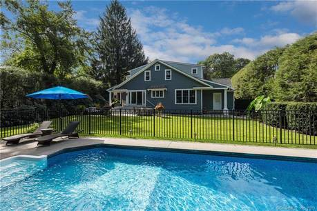 Single Family Home Sold in Greenwich CT 06830. Ranch, colonial house near waterfront with swimming pool and 1 car garage.