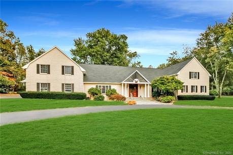 Mansion Sold in Stratford CT 06614. Big colonial house near waterfront with swimming pool and 3 car garage.