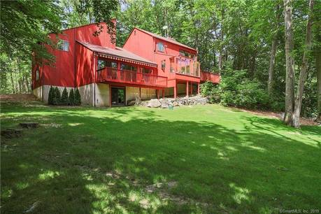 Single Family Home Sold in Stamford CT 06903. Contemporary house near lake side waterfront with 2 car garage.