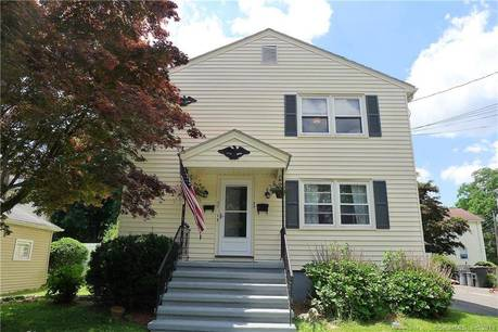 Multi Family Home Sold in Fairfield CT 06825.  house near beach side waterfront.