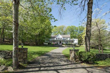 Luxury Single Family Home Sold in Greenwich CT 06831.  farm house near beach side waterfront with 2 car garage.