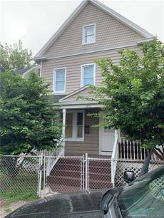 Single Family Home Sold in Bridgeport CT 06608. Old colonial house near waterfront.