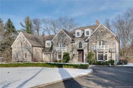 Foreclosure: Mansion Sold in Stamford CT 06902. Big colonial house near waterfront with 3 car garage.