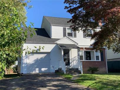 Single Family Home Sold in Stamford CT 06902. Colonial house near waterfront with 1 car garage.