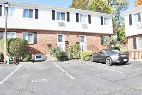 Condo Home Sold in Stamford CT 06907.  townhouse near waterfront.