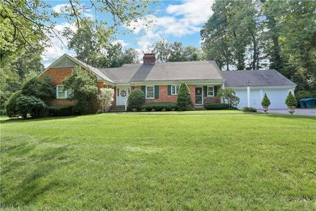 Single Family Home Sold in Darien CT 06820. Ranch house near waterfront with 2 car garage.
