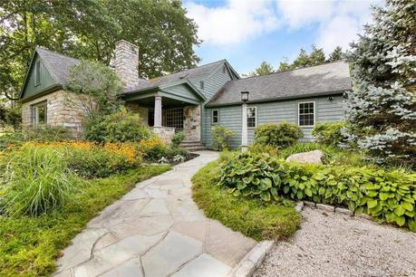 Single Family Home Sold in Easton CT 06612.  cape cod, cottage house near waterfront with 2 car garage.