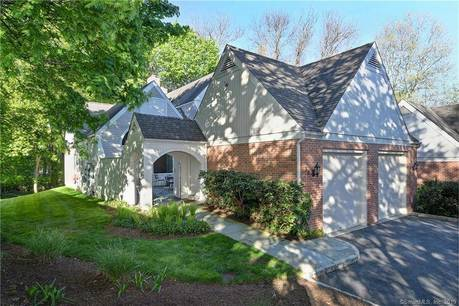 Condo Home Sold in Darien CT 06820. Ranch house near river side waterfront with 1 car garage.