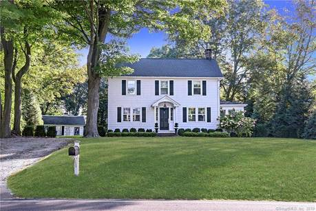 Single Family Home Sold in Ridgefield CT 06877. Old colonial house near waterfront.