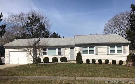 Single Family Home Sold in Fairfield CT 06824. Ranch house near beach side waterfront with 1 car garage.