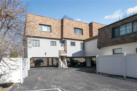 Condo Home Sold in Stamford CT 06905.  townhouse near beach side waterfront with 1 car garage.