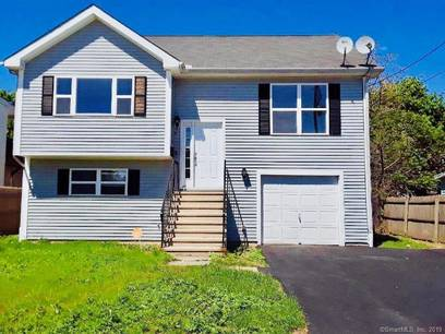 Single Family Home Sold in Bridgeport CT 06607. Ranch house near waterfront with 1 car garage.