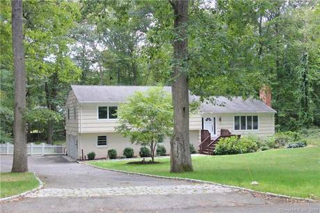 Single Family Home Sold in Stamford CT 06903. Contemporary house near waterfront with 2 car garage.
