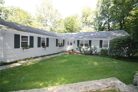 Single Family Home Sold in Stamford CT 06905. Ranch house near beach side waterfront with 2 car garage.