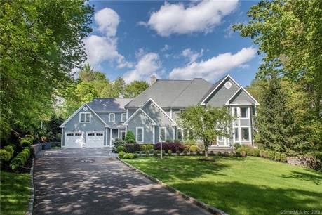 Mansion Sold in Ridgefield CT 06877. Big colonial house near waterfront with 4 car garage.
