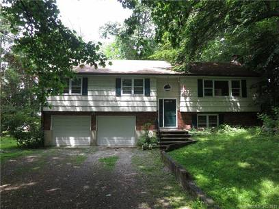 Single Family Home Sold in Norwalk CT 06853. Ranch house near beach side waterfront with 2 car garage.