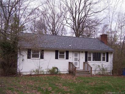Single Family Home Sold in Shelton CT 06484. Ranch house near waterfront.