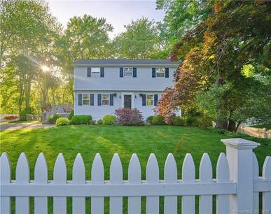 Single Family Home Sold in Norwalk CT 06854. Colonial house near beach side waterfront.
