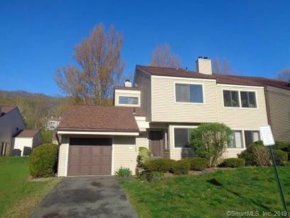 Foreclosure: Condo Home Sold in Bethel CT 06801.  townhouse near waterfront with swimming pool.