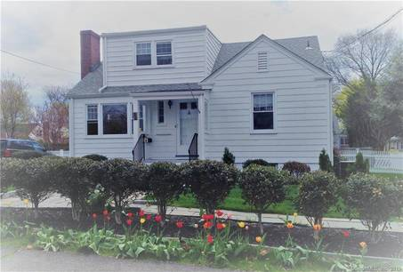 Multi Family Home Sold in Stamford CT 06902.  house near beach side waterfront.