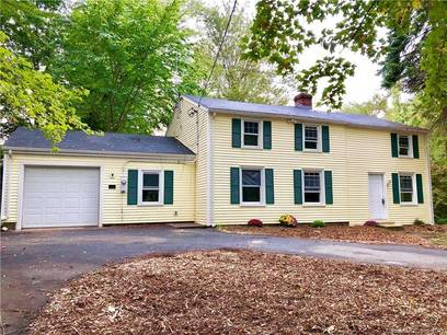 Single Family Home Sold in Monroe CT 06468. Colonial house near waterfront with 1 car garage.