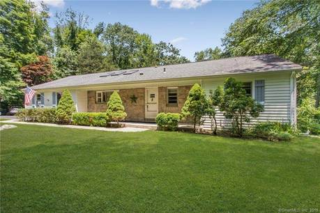 Single Family Home Sold in Stamford CT 06903. Ranch house near beach side waterfront with 2 car garage.