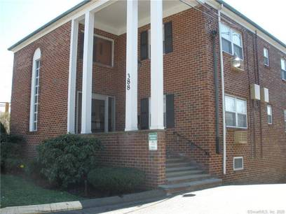 Condo Home For Rent in Stamford CT 06906. Ranch house near waterfront.