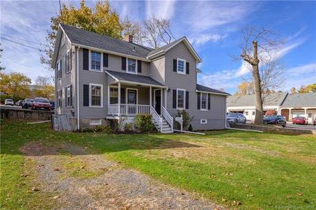 Foreclosure: Multi Family Home For Sale in Ridgefield CT 06877. Old  house near waterfront.